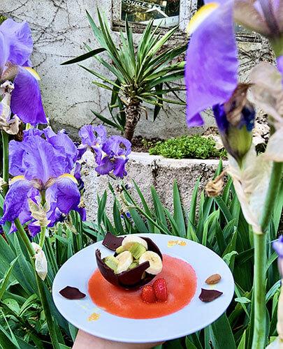 Salade de fruits et bol de chocolat noir - L'Atelier de Ciboulette